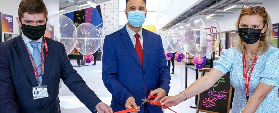 Gorton MP Afzal Khan cuts the ribbon at new Progress School opening event